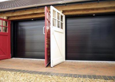 2 roller shutters -JM-3000x1800