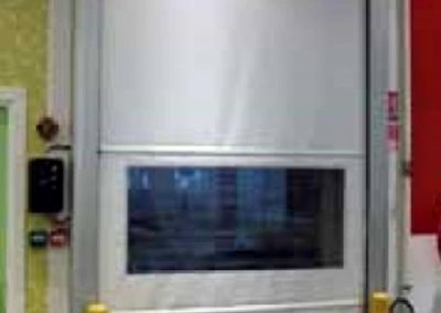High speed door 2_DLhRO382QjmkSAR30htw-294x396